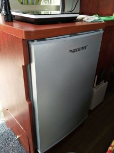 Purswave 90L DC Fridge 12V 24V Solar Table Top Refrigerator